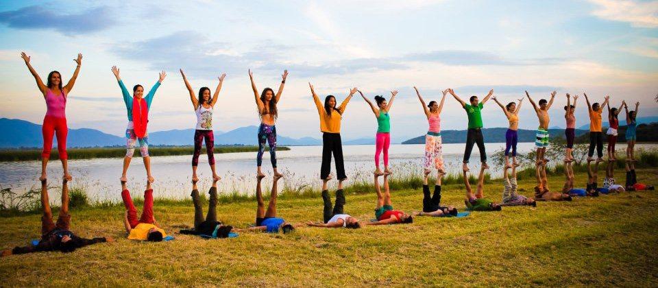 Kirsty Innes Acro Yoga
